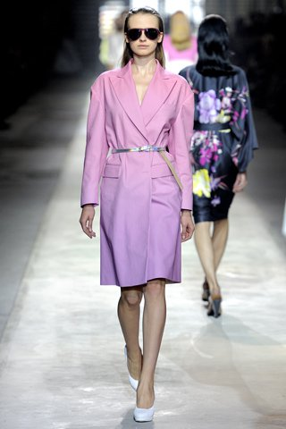 images/cast/00000432462382034=my job on fabrics dries van noten Summer 2011